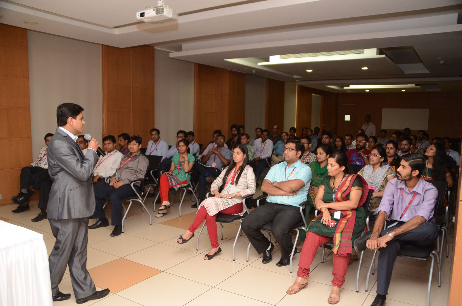 Sandip Arsude Graphology Class at Tech Mahindra1